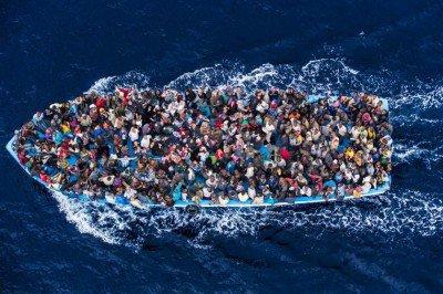 italy-migrants-refugees-asylum-seekers-1-400x266